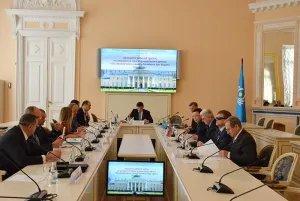 В Таврическом дворце обсудили проект модельного закона «Об увековечении памяти защитников Отечества»