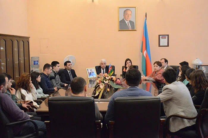 В Таврическом дворце встретили молодежную делегацию из Баку