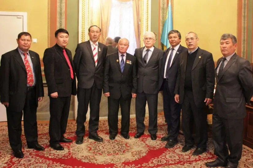 Алексей Сергеев встретился с делегацией общественных деятелей культуры Республики Казахстан