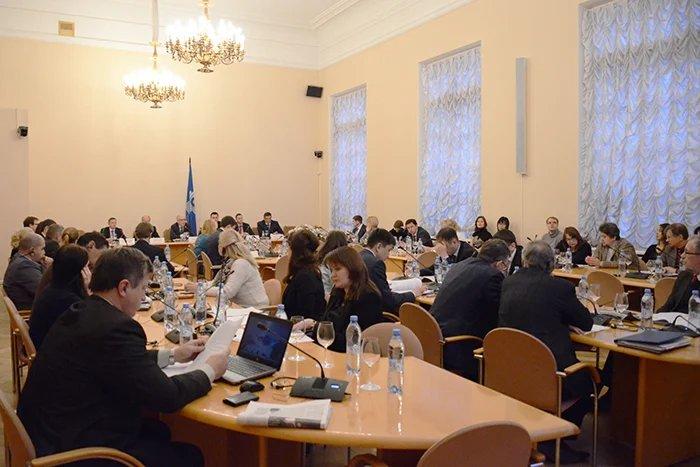 О публично-частном партнерстве в государствах – участниках СНГ говорят в Таврическом дворце