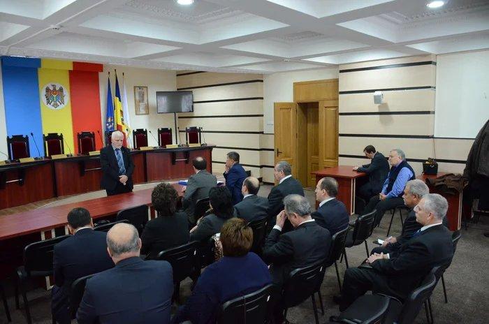 Члены Миссии наблюдателей от МПА СНГ провели встречу в ЦИК Республики Молдова