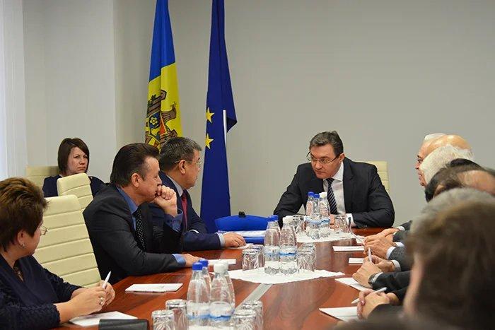 Международные наблюдатели от МПА СНГ встретились с Игорем Корманом