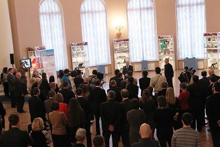 В Таврическом дворце открылась выставка,  посвященная  Дню полного освобождения Ленинграда от фашистской блокады