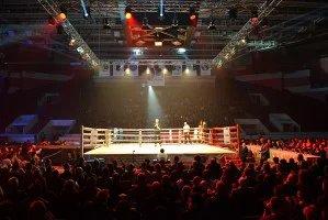 Турнир по кикбоксингу среди профессионалов Азербайджана и России прошел в Санкт-Петербурге
