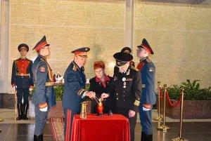 Вечный огонь из Душанбе привезли в Санкт-Петербург