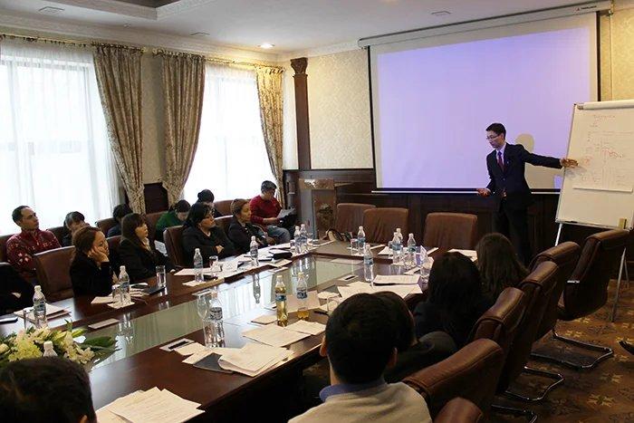 Актуальные вопросы, связанные с предстоящими парламентскими выборами в Кыргызской Республике в контексте изменения избирательного законодательства, обсуждали в Бишкеке