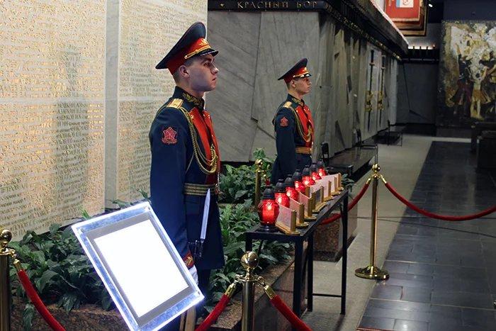 Частицу Вечного огня из Москвы доставили в Северную столицу