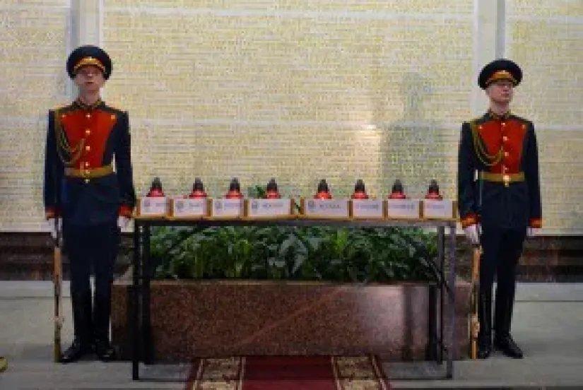 Частица Вечного огня из Астаны доставлена в Санкт-Петербург
