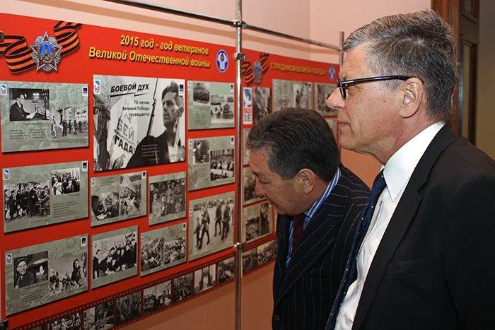 Фотовыставка, посвященная Дню Победы открылась в штаб-квартире СНГ