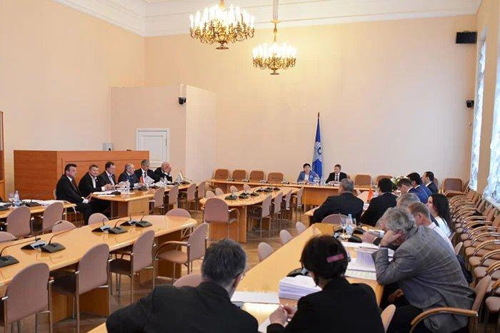 Вопросы экономики и финансов обсудили в Таврическом дворце