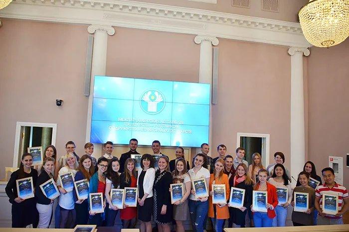 Волонтерам вручили грамоты в штаб-квартире МПА СНГ