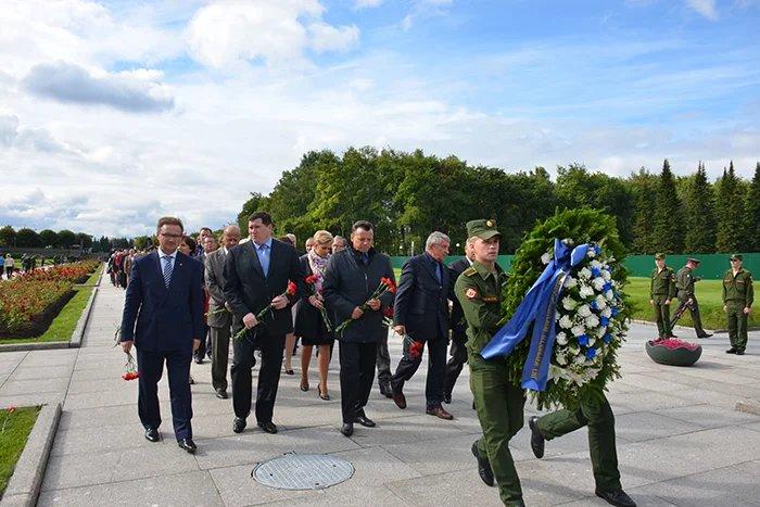 Межпарламентская Ассамблея СНГ почтила память жертв блокады Ленинграда