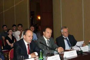 Представители МПА СНГ приняли участие в круглом столе, посвященном конституционным реформам в Армении