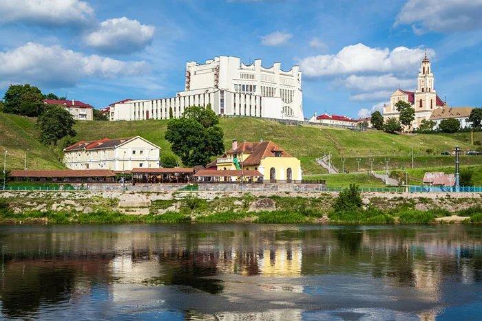Представители МПА СНГ продолжают наблюдать за ходом предвыборной кампании в Беларуси