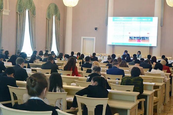Молодые парламентарии из 8 стран Содружества участвуют в сессии ММПА СНГ