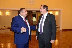 Нагрудным знаком МИД РФ награжден представитель Республики Армения