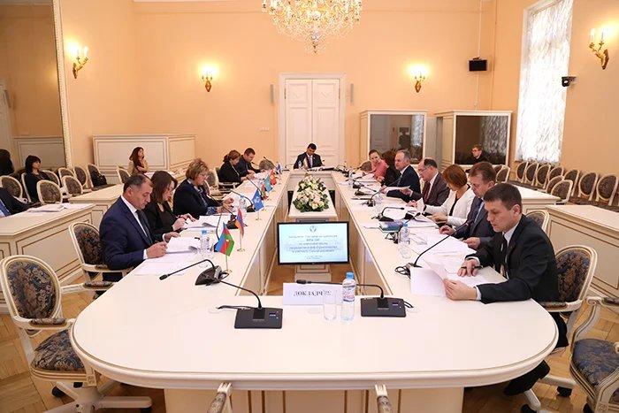 Опытом государственного строительства и местного самоуправления поделились в Таврическом дворце