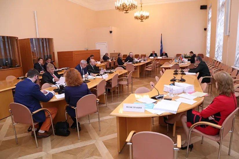 Проекты модельных законов в сфере культуры, информации, туризма и спорта рассмотрели в Таврическом дворце