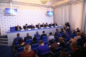 Руководители парламентских делегаций ответили на вопросы журналистов
