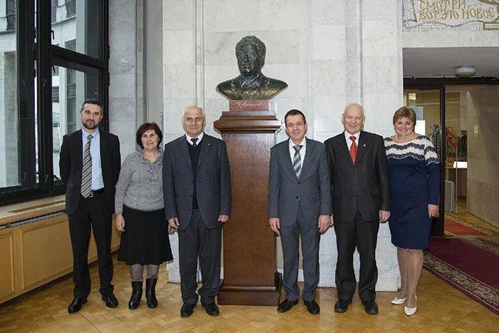 В Российской национальной библиотеке прошла встреча с Грачьей Тамразяном
