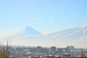 Международные наблюдатели от МПА СНГ прибывают в Ереван