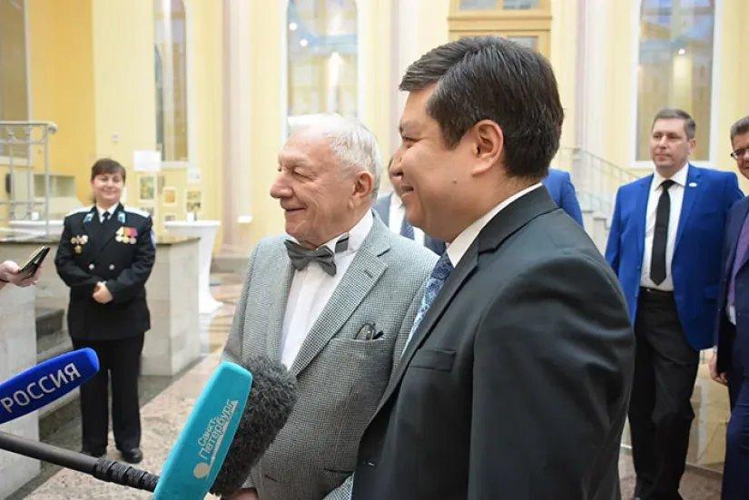 В Таврическом дворце прошла Презентация первой книги мемуаров Георгия Штиля