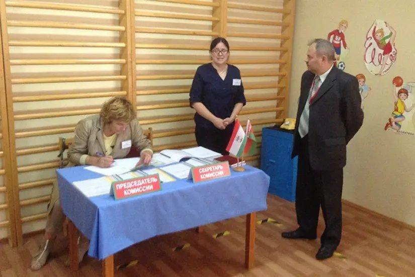 Наблюдатели от МПА СНГ посетили ряд окружных избирательных комиссий в Республике Беларусь