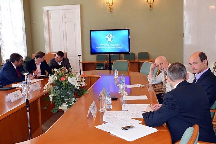 Применение и развитие механизмов государственно-частного партнерства в государствах — участниках СНГ обсудили в Таврическом дворце