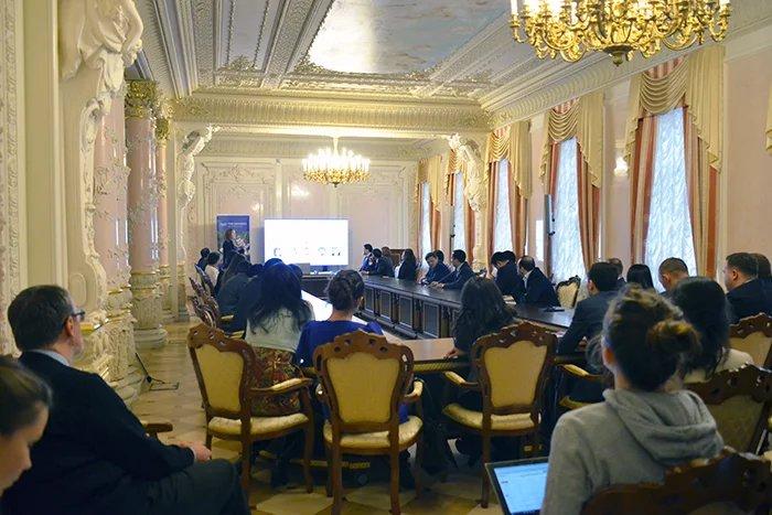 Итоги за 25 лет: Университет ИТМО посетили делегаты Молодежной межпарламентской ассамблеи СНГ
