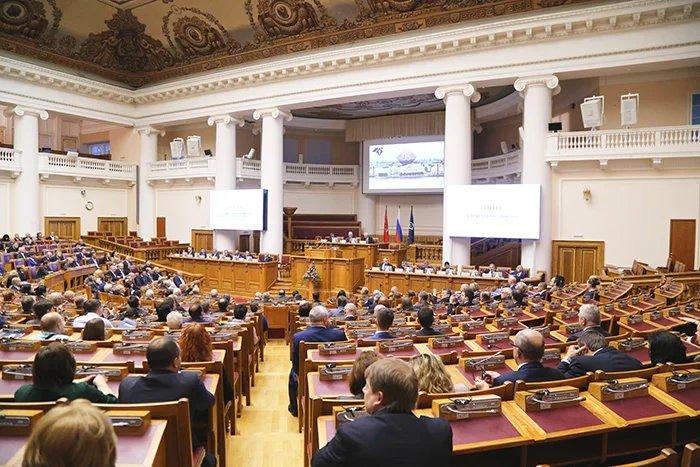 В Таврическом дворце прошло торжественное собрание, посвященное 95-летию Санкт-Петербургской торгово-промышленной палаты