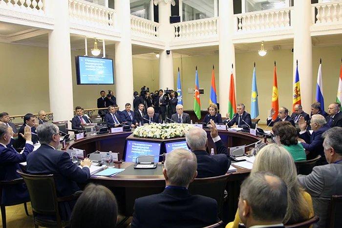 Руководители парламентских делегаций МПА СНГ приняли участие в заседании Совета