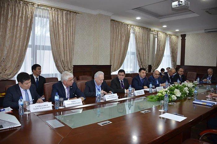 Группа наблюдателей от МПА СНГ провела ряд встреч в Бишкеке