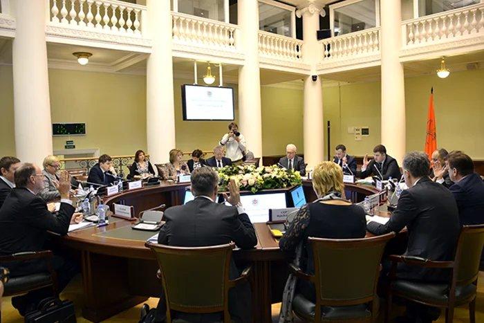В Таврическом дворце прошло заседание Комитета по законодательству Законодательного Собрания Санкт-Петербурга