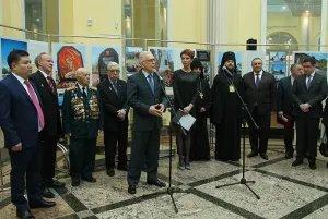 В Таврическом дворце открылась экспозиция «Девять лет — девять стран… и сотни добрых историй», посвященная полному освобождению Ленинграда от фашистской блокады