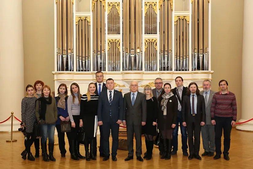 Делегация руководителей СМИ, журналистов и блогеров Республики Беларусь посетила Таврический дворец