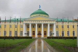 Таврический дворец посетили государственные и муниципальные служащие Норвегии