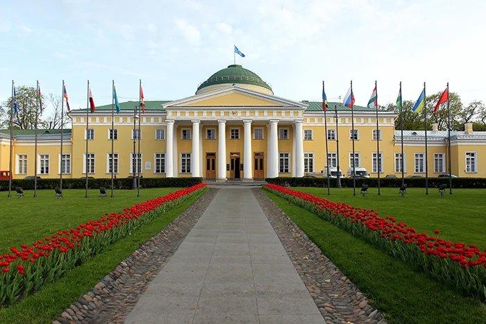 Таврический дворец примет в октябре полторы тысячи иностранных парламентариев