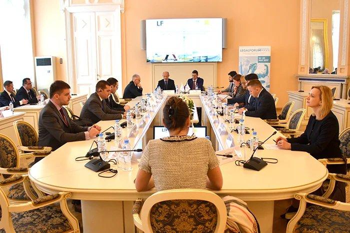Эксперты обсудили развитие законодательства в сфере публично-частного партнерства