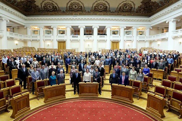 Алексей Сергеев поздравил сотрудников Секретариата Совета МПА СНГ с 25-летием организации