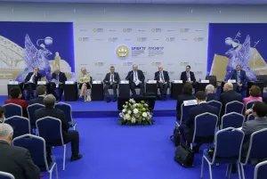 Проблемы экономического развития СНГ обсудили в рамках ХХI Петербургского международного экономического форума