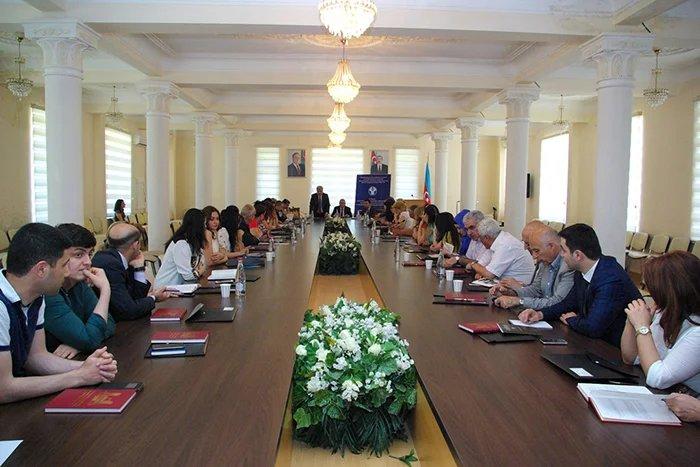 В Баку состоялся семинар «Парламентское измерение современного демократического государства на примере Азербайджанской Республики»