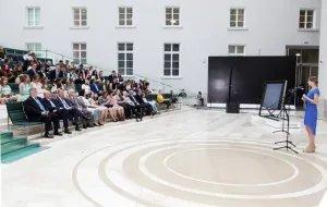 Алексей Сергеев вручил дипломы выпускникам международного факультета CЗИУ РАНХиГС