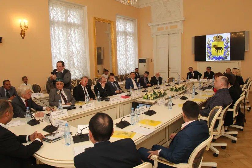 Конференция в честь 190-летия Ахмада Дониша состоялась в Таврическом дворце