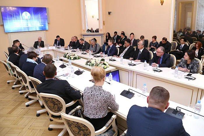 В преддверии 137-й Ассамблеи МПС в Таврическом дворце прошла встреча с представителями консульских учреждений Санкт-Петербурга