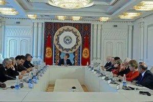 Президент Кыргызской Республики Алмазбек Атамбаев встретился с главами миссий международных наблюдателей за президентскими выборами