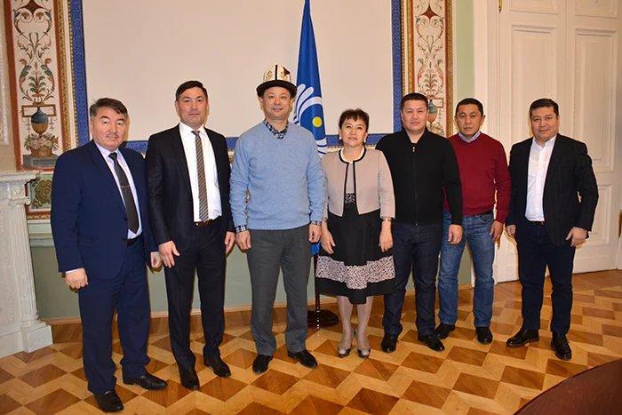 В Таврическом дворце прошла встреча депутатов Жогорку Кенеша Кыргызской Республики с представителями кыргызской диаспоры в Санкт-Петербурге