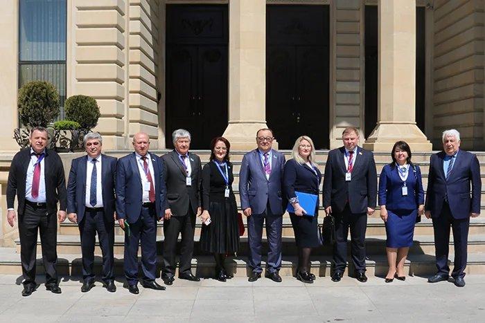 Наблюдатели от МПА СНГ проводят краткосрочный мониторинг внеочередных выборов Президента Азербайджанской Республики