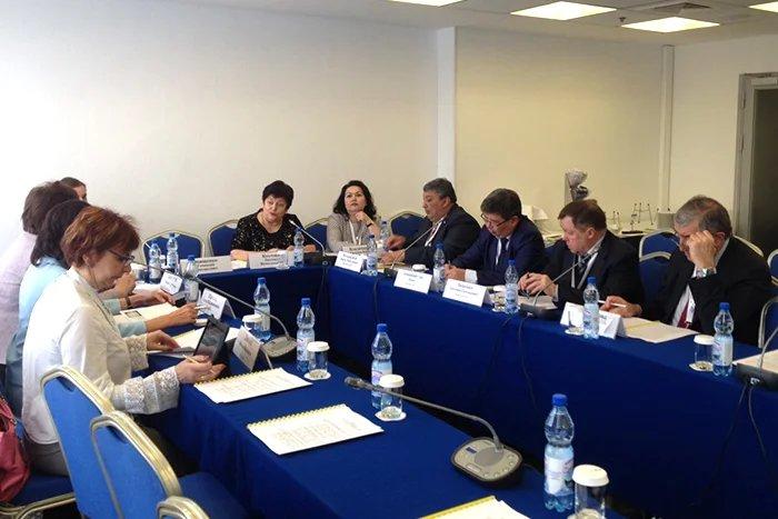 Подготовку Обзора законодательства в сфере ВИЧ/СПИДа и миграции в государствах — участниках СНГ обсудили в Москве