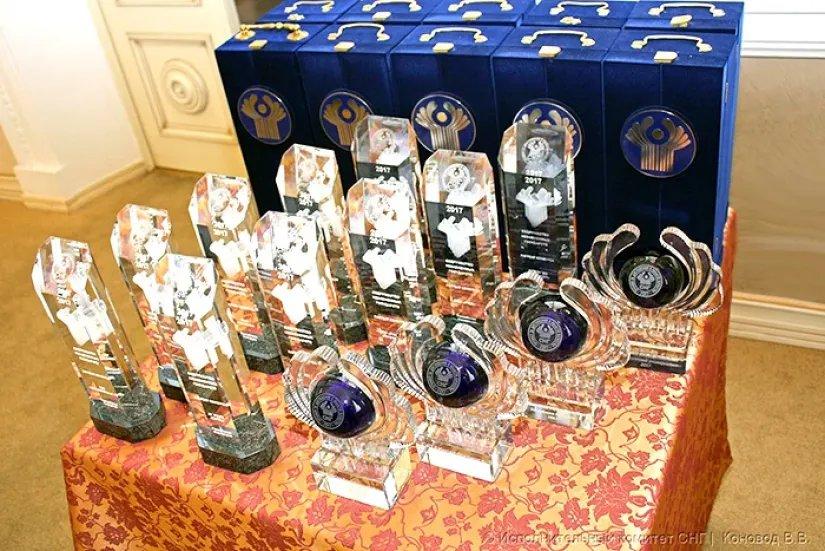 В Исполнительном комитете СНГ вручили Премию Содружества за достижения в области качества продукции и услуг