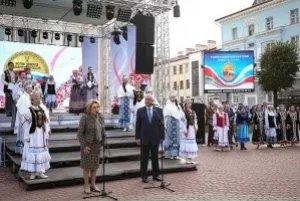 Валентина Матвиенко и Михаил Мясникович открыли в Могилеве выставку ремесел